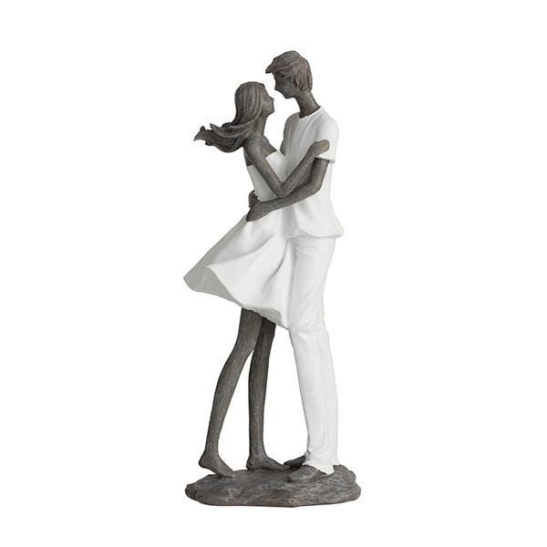 Escultura Casal se abraçando