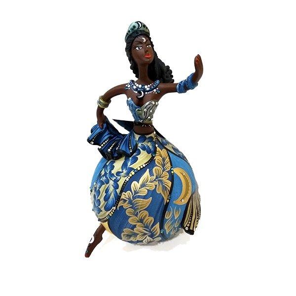 Bailarina em Cabaça lua crescente