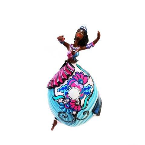 """Bailarina produzida com Cabaça Bapi, """"Lua cheia"""", da série fases da lua."""