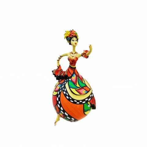 Bailarina Cabaça Bapi Carmen Miranda, é produzida com cabaça e pintada e decorada manualmente, podendo ter ou não aplicação de cristais Swaroviskis.