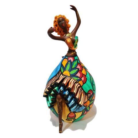boneca em cabaça colorida